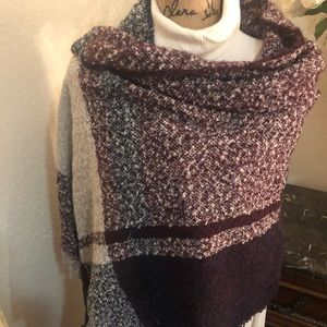 Comfy and Cozy describes this beautiful wrap.